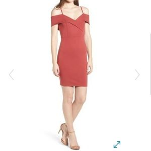 💛 NWT Cold Shoulder Bodycon Dress Large